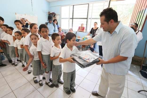Continúa las acciones del programa CATIA en escuelas de muy alta marginación