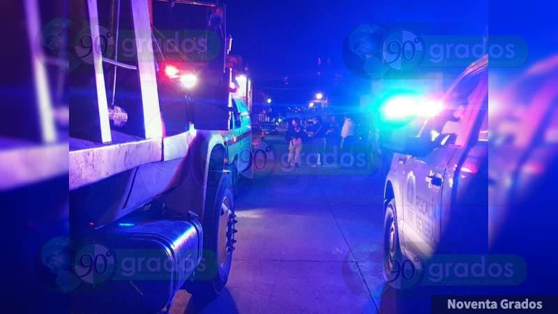 Con un tubo y un palo de hacha, pelearon por el amor de una mujer, la ex pareja resultó muerto; en Tangancicuaro, Michoacán