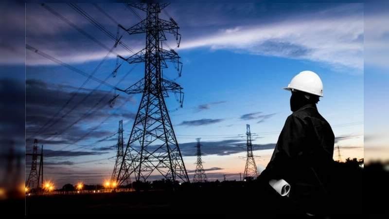 Prevé la CFE poder construir centrales eléctricas con la IP