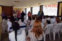 Internas del Cereso Morelia celebran con sus hijos el día del niño