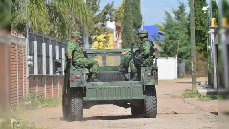 Fuertes enfrentamientos en Tepalcatepec: Sicarios habrían hecho huir a la GN; pobladores escapan