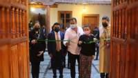 Inauguran foto galería y arte en honor a Alberto Rodríguez Molina en Pátzcuaro