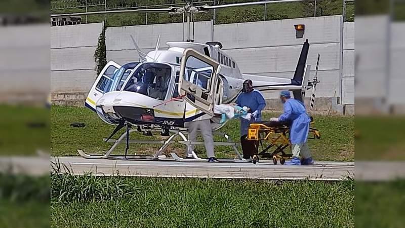 Realiza CRUM traslado aéreo de embarazada de Coalcomán a Morelia, Michoacán
