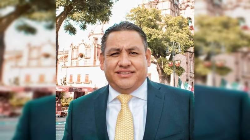 Exacerbar la concentración en los Ejecutivos Estatales pone en riesgo la democracia: Víctor Manríquez