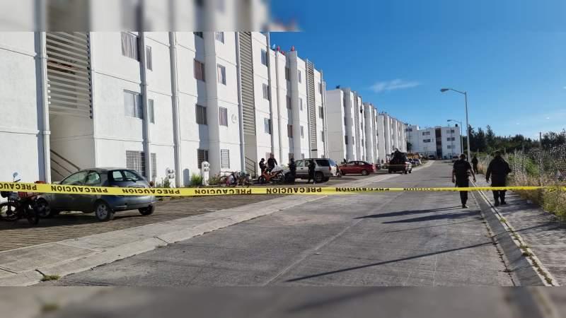 Atacan a tiros a una pareja en Zamora; él muere ella está herida