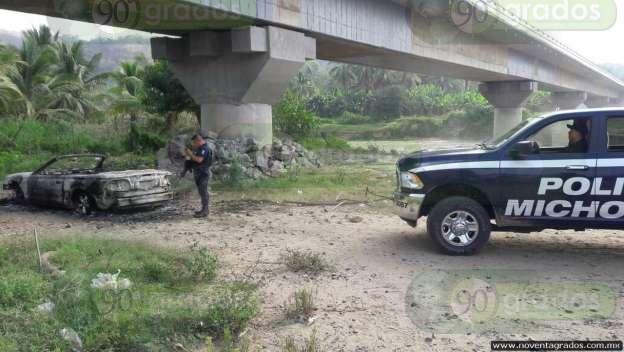 Hallan vehículo incinerado en Lázaro Cárdenas