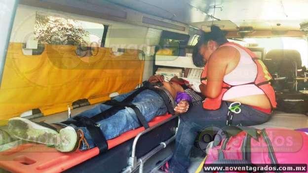 Un muerto y dos heridos deja accidente vial en Zamora, Michoacán