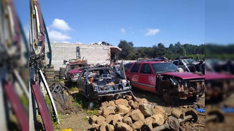 Aseguran en cateo seis vehículos con alteraciones en sus medios de identificación en Salvador Escalante