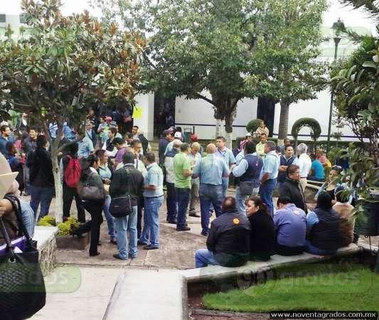 Sindicalizados del ayuntamiento toman oficinas municipales for Oficinas del ayuntamiento