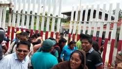 Liberan a los 30 normalistas que permanecían presos en Michoacán