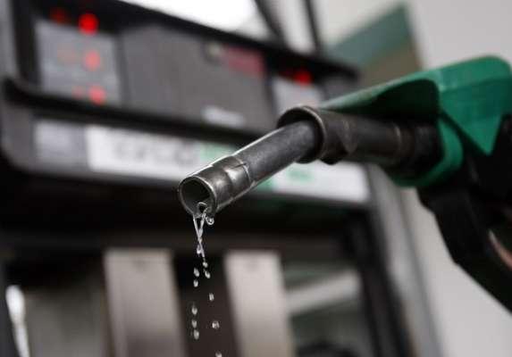 Precios de las gasolinas no aumentarán en diciembre: SHCP
