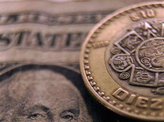 Dólar se vende en hasta 21.16 pesos en bancos