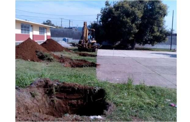 Inicia la construcción de la techumbre de un mdp en escuela de Uruapan