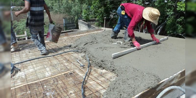 Acuerdan IVEM y AMIC impulsar proyectos de vivienda vertical en Michoacán