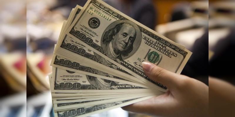Dólar rebasa los 22 pesos a la venta en bancos