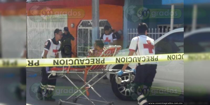 Civiles armados se enfrentan en Zamora; jovencito resulta lesionado