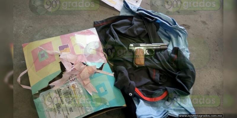 Morelia: Asegura PGR arma de fuego en una empresa de paquetería