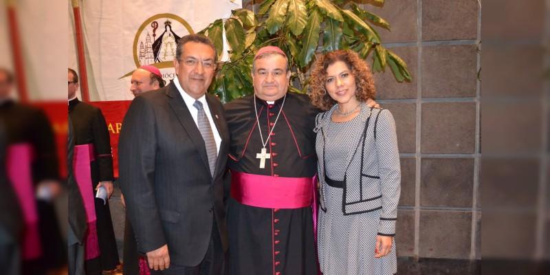 Celebra Wilfrido Lázaro la toma de posesión como arzobispo de Morelia, del Monseñor Carlos Garfias