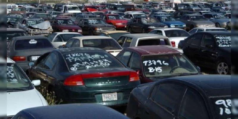 Grupo delictivo se roba vehículos de un corralón en Morelia