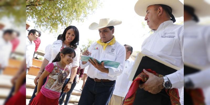 Nuestro trabajo, garantizar derecho a la educación de calidad: Gobernador