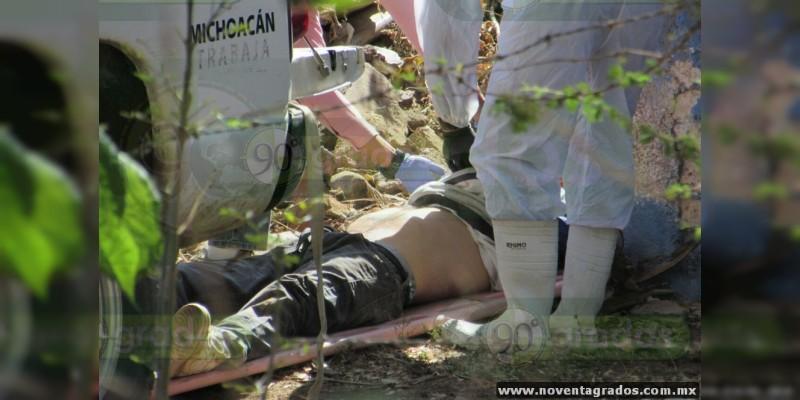 Hallan cadáver con un costal en la cabeza en Jacona, Michoacán