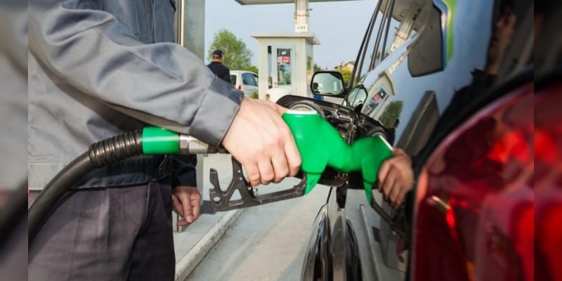 Magna costará 16.51 pesos el litro, bajó dos veces su precio esta semana