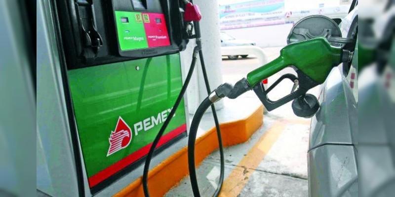 Gasolinas y diésel se venden este fin de semana con dos centavos menos