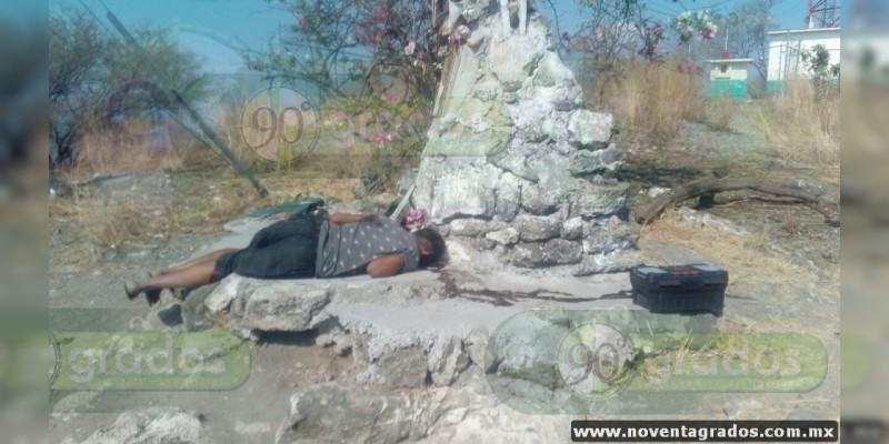 Identifican a los dos asesinados ayer en Múgica, Michoacán; uno era pariente de funcionaria municipal