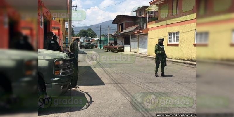 Persecución en Uruapan deja dos muertos a balazos