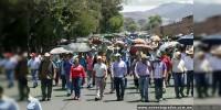 Profesores y comuneros realizan megamarcha en Morelia