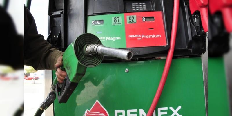 Gasolinas y diésel se venden hoy dos centavos más caras