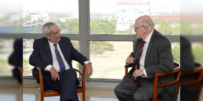 Acuerdan crear eje de cooperación científica universidades de México, EE.UU. y Canadá