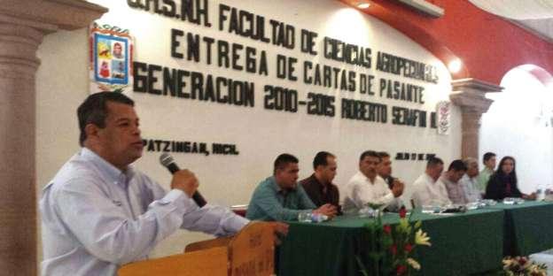 La educación es la vía para la transformación social: Salvador García