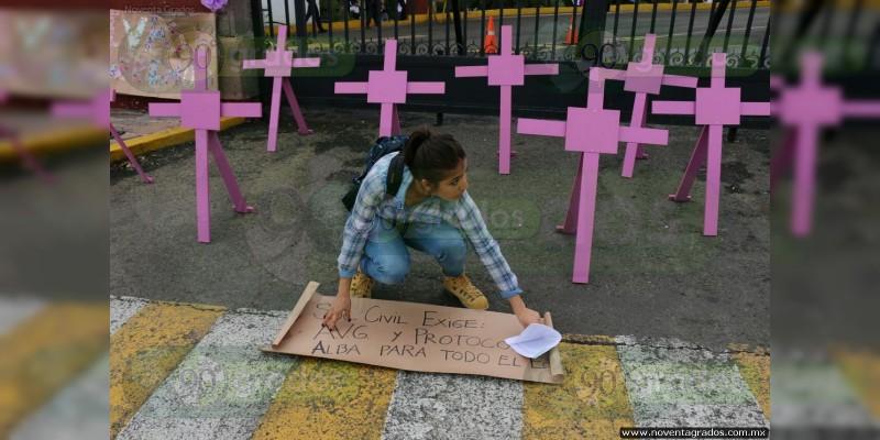 Violencia contra la mujer no cesa, van 54 asesinadas en el año 2017: PGJE