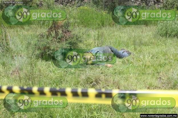 Localizan cuerpo sin vida en carretera Morelia-Cuto de la Esperanza