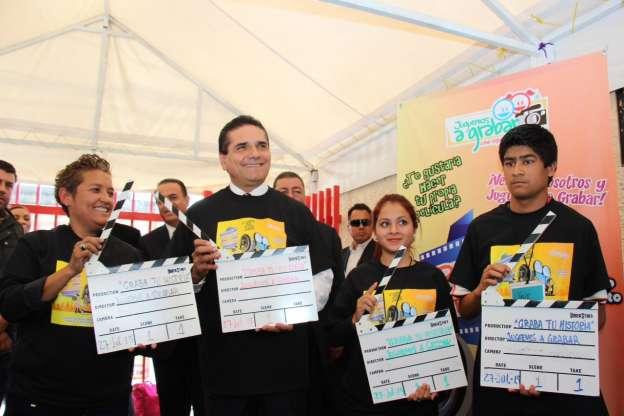 "Silvano Aureoles inaugura programa infantil ""Graba Tu Historia"""