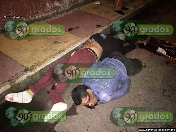 Jóvenes alcoholizados se accidentan en motocicleta en Zamora, Michoacán
