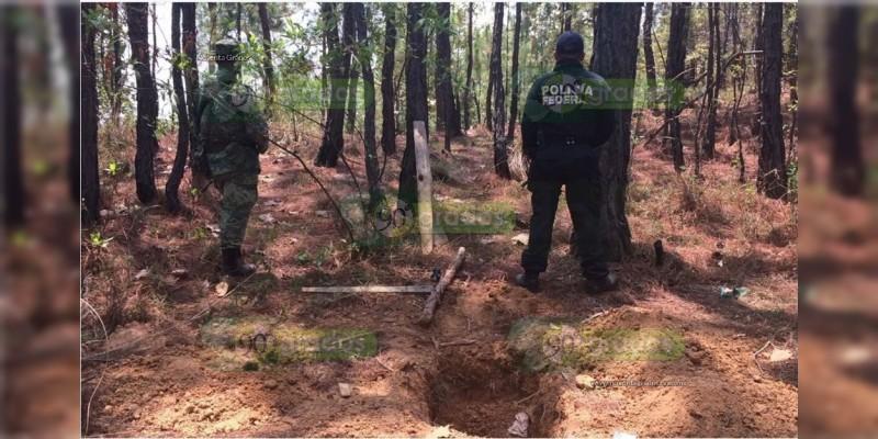 Hallan fosa clandestina en Uruapan, hay un cadáver