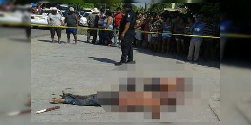Morelia: Rescatan a rata de ser linchada en el Mercado Independencia