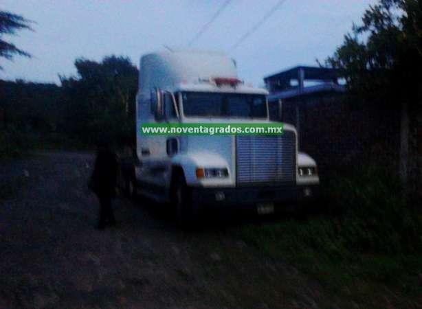 Aseguran dos tractores con reporte de robo en Tarímbaro, Michoacán