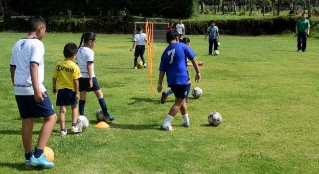 En la recta final curso de verano del club deportivo La Magueyera