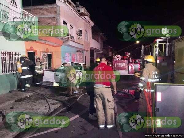 Drogado discute con sus familiares e incendia su casa en Zamora, Michoacán