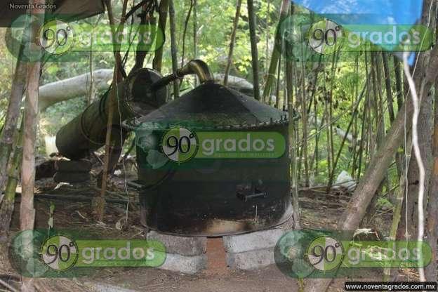 """Aseguran narcolaboratorio y decomisan casi 100 kilogramos de """"cristal"""" en Parácuaro, Michoacán"""
