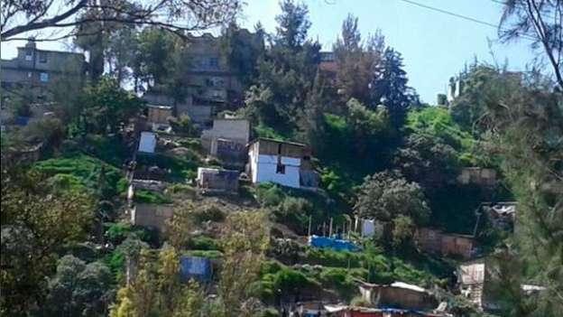 Desalojan a 300 familias de área protegida en Naucalpan, Estado de México