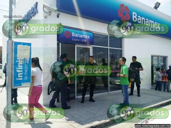 Asaltan a clientes y empleados de sucursal de Banamex en Morelia