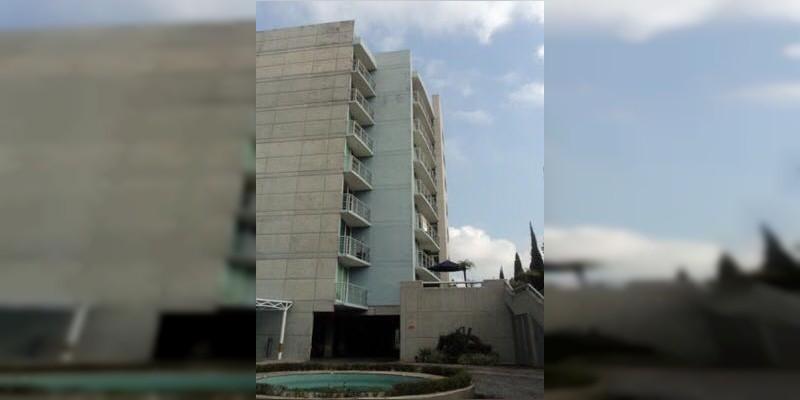 Morelia: Muere mujer al caer al vacío desde un edificio en Camelinas