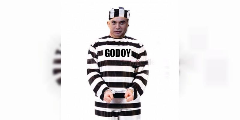 ¿Y qué quieres que callemos Martín Godoy Castro?