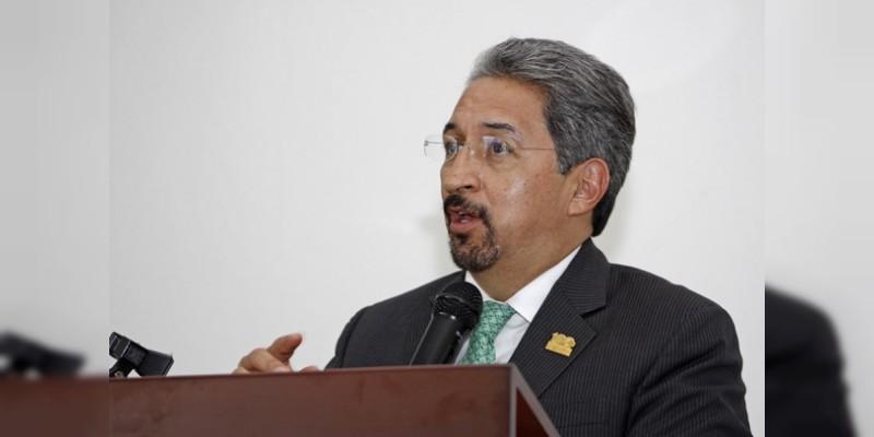 El rector Medardo Serna gastó 118 millones de pesos en flores, edecanes y comidas, acusa el SUEUM