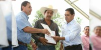 Entregan Estado y Federación más de mil millones de pesos en apoyos a productores michoacanos