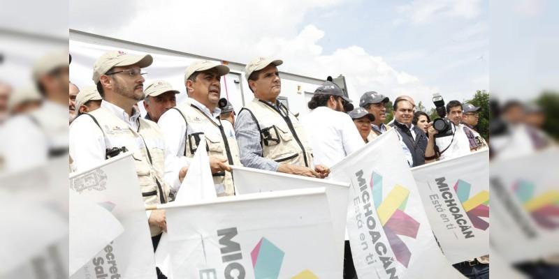 Da Silvano Aureoles banderazo de salida a convoyes de ayuda humanitaria para damnificados por sismo
